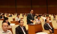 Quốc hội thảo luận về các báo cáo nhiệm kỳ