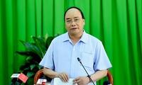 Thủ tướng Nguyễn Xuân Phúc làm việc với lãnh đạo thành phố Cần Thơ