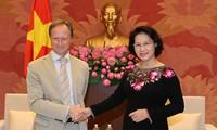 Chủ tịch Quốc hội Nguyễn Thị Kim Ngân tiếp Đại sứ và Trưởng phái đoàn Liên minh châu Âu tại Việt Nam