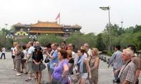 Nga hướng tới miễn thị thực du lịch song phương với Việt Nam