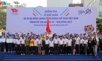 5000 người hưởng ứng Lễ xuất quân và đi bộ cổ vũ đoàn thể thao Việt Nam tham dự SEA Games 29