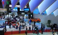 Khai mạc triển lãm ô tô quốc tế lớn nhất Việt Nam