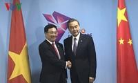 Phó Thủ tướng, Bộ trưởng Ngoại giao Phạm Bình Minh gặp song phương với Ngoại trưởng một số nước