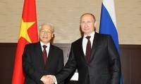 Việt Nam coi trọng và ưu tiên củng cố, tăng cường quan hệ đối tác chiến lược toàn diện với Liên bang Nga