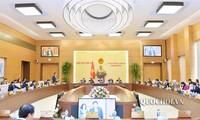 Ủy ban Thường vụ Quốc hội bước sang ngày làm việc thứ 3