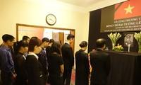 Đại sứ quán Việt Nam tại Bangladesh tổ chức mở Sổ tang và lễ viếng nguyên Chủ tịch nước Lê Đức Anh