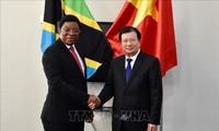 Phó Thủ tướng Trịnh Đình Dũng hội kiến Thủ tướng Cộng hòa Thống nhất Tanzania
