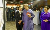 """Triển lãm ảnh """"Dấu ấn Chủ tịch Hồ Chí Minh"""" tại thủ đô Dhaka"""