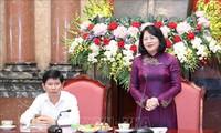 Phó Chủ tịch nước Đặng Thị Ngọc Thịnh tiếp đoàn người có công Cà Mau