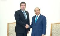Thủ tướng Nguyễn Xuân Phúc mong muốn sớm mở đường bay thẳng Hà Nội - Prague