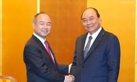 Thủ tướng Nguyễn Xuân Phúc tiếp Tổng Giám đốc Tập đoàn Softbank và Lãnh đạo một số địa phương, tổ chức Nhật Bản