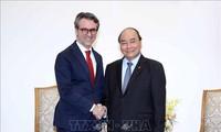 Thủ tướng Nguyễn Xuân Phúc tiếp Đại sứ EU tại Việt Nam Pier Giorgio Aliberti