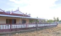Làng quê Việt trên đất Lào