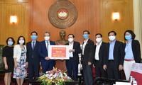 Người Việt ở nước ngoài nhiệt tình ủng hộ phòng, chống dịch Covid-19