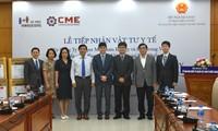 Doanh nghiệp Hàn Quốc trao vật tư y tế hỗ trợ người Việt Nam ở nước ngoài