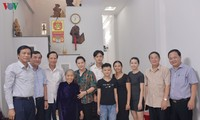 Chủ tịch Quốc hội thăm Mẹ Việt Nam Anh hùng, gia đình chính sách tại Đà Nẵng, Quảng Nam