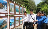 """Triển lãm trưng bày tư liệu """"Hoàng Sa, Trường Sa của Việt Nam - Những bằng chứng lịch sử và pháp lý"""""""
