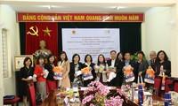 UNFPA tại Việt Nam cung cấp thiết bị bảo hộ cá nhân hỗ trợ người cao tuổi