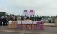Hỗ trợ gạo và trang thiết bị y tế cho kiều bào Campuchia phòng chống Covid-19