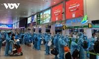 Hàng trăm công nhân lao động làm việc tại thành phố Hồ Chí Minh được về quê