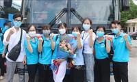 Triển khai các đội hình sinh viên tình nguyện hỗ trợ chống dịch tại các tỉnh, thành phía Nam