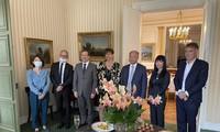 Nghị sỹ Pháp tăng cường trao đổi thông tin thúc đẩy hợp tác mọi mặt với Việt Nam