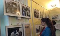 На Украине и в Алжире проходят фотовыставки о президенте Хо Ши Мине