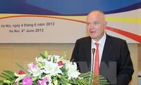 Вручена памятная медаль «За здоровье населения» главе миссии ЕС во Вьетнаме