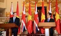 Вьетнам и Великобритания сделали совместное заявление