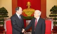 Генсек ЦК Компартии Вьетнама принял делегацию Компартии Китая