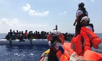 สหประชาชาติเรียกร้องให้ยุโรปรับผู้อพยพที่กำลังติดอยู่กลางทะเลเมดิเตอร์เรเนียน