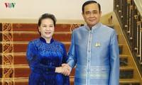 ประธานสภาแห่งชาติเวียดนามพบปะกับนายกรัฐมนตรีไทย