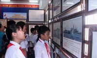"""งานนิทรรศการ """"หว่างซาและเจื่องซาของเวียดนาม-หลักฐานทางประวัติศาสตร์และนิตินัย"""" ณ จังหวัดกว๋างหงาย"""