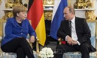 ผู้นำเยอรมนีและรัสเซียพูดคุยทางโทรศัพท์เกี่ยวกับปัญหาที่ร้อนระอุของโลก