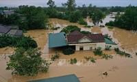 ประเทศต่างๆส่งโทรเลขไต่ถามถึงเหตุน้ำท่วมและพายุในภาคกลางเวียดนาม