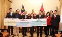 สถานทูตมาเลเซียประจำเวียดนามให้ความช่วยเหลือผู้ประสบอุทกภัยในภาคกลาง