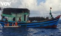 ประท้วงจีนที่ประกาศคำสั่งห้ามจับปลาในทะเลตะวันออก