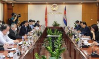 ผลักดันความร่วมมือระหว่างเวียดนามกับกัมพูชาในด้านการค้า อุตสาหกรรมและพลังงาน