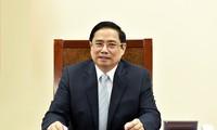 นายกรัฐมนตรี ฝามมิงชิ้งพูดคุยผ่านทางโทรศัพท์กับนายกรัฐมนตรีฝรั่งเศส