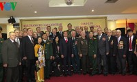 Meeting with Ukrainian war veterans on 70th anniversary of Vietnam People's Army