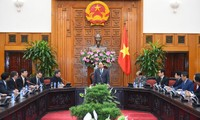 PM promises favorable conditions for investors