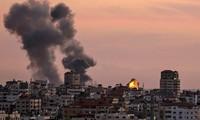Israel attacks Hamas targets in Gaza