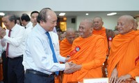 PM celebrates Chol Chnam Thmay festival with the Khmer
