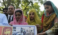 Sri Lanka mourns as death toll from blasts rises to 310