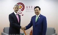 Deputy PM holds bilateral meetings on AMM-52 sidelines