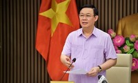 Vietnam's logistics sector urged to contribute more to GDP