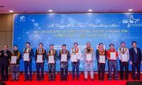 Vietnam's leading IT companies honored