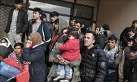 Germany to take in 500 children from Greek migrant camps