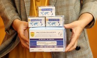 Made-in-Vietnam COVID-19 test kit certified by WHO, UK
