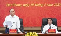 PM urges Hai Phong to fulfill dual task